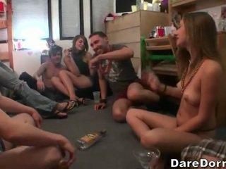 Gambar/video porno vulgar pertandingan