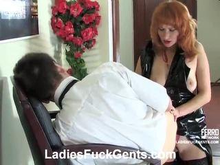 Smíchat na strapon pohlaví porno s irene, connor, nora