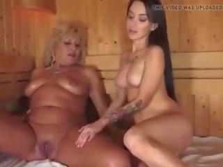 युवा महिला seduces पुराने में सॉना, फ्री पॉर्न 1d