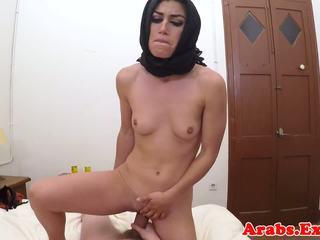 Arab habiba geneukt zoals een hoer voor cash, porno 67