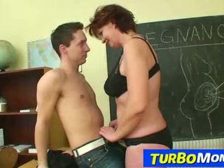 Heet tsjechisch cougar helena student leraar harassment in school-