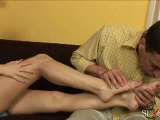 Giới tính ý nghĩa: sexy lulu loves strocking con gà trống với cô ấy chân
