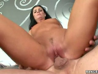 Shagging sensuous med india summers sits ji taut růžový coochie onto a throbbing pole