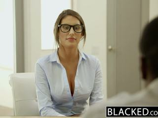 Blacked august ames gets an เซ็กส์ระหว่างคนต่างสีผิว น้ำแตก