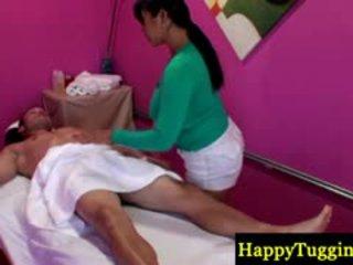 현실 아시아의 masseuse 장난감 와 형사