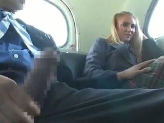 Dandy 171 šviesiaplaukis studentas cfnm malonumas apie autobusas 1
