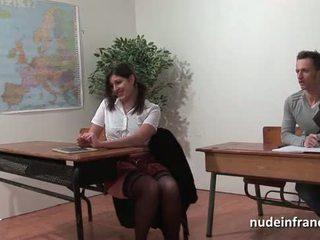 Seksual fransuz arab student göt fucked in threeway by her classmates