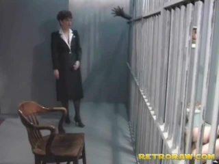 A nadržané prisoner