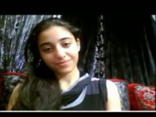 Мила індійська підліток shows її туга манда на вебкамера