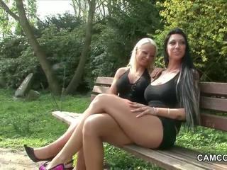2 tysk tenåringer knulling offentlig i park med voyeur