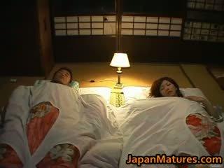 Chisato shouda impresionante madura japonesa part5