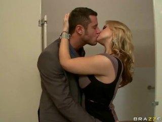 Nagy cicik szex vide a feleség