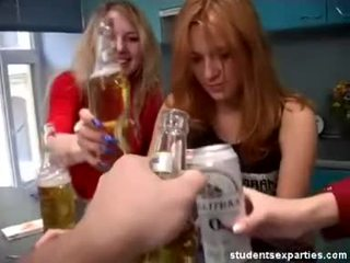 Quente estudante festa dances sedução guys vídeo