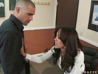 Groot titted capri having seks bij werk