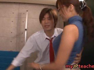 Kaori heet aziatisch professor loves neuken