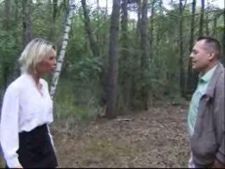 블론디 아내 엿 에 숲