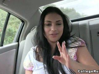 Alcuni divertimento in un auto