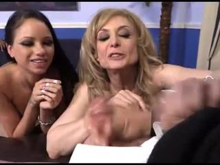 Raven bay en nina hartley interraciaal hoorndrager plezier