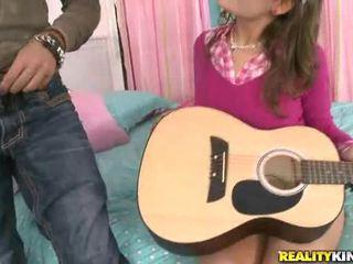Nine jaar oud meisje xxx