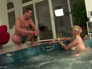 할머니, 성숙, 섹스하고 싶은 중년 여성