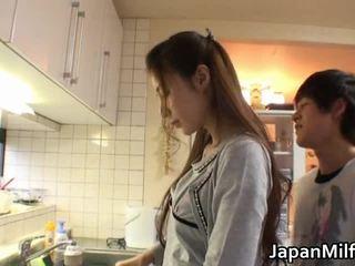 trieciens darbu, head sniedzot, japānas