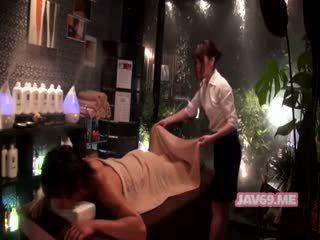 Hübsch rallig asiatisch mädchen having sex