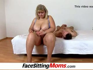 Μεγάλος βυζιά ερασιτεχνικό bbw μαμά anna μουνί licking cunnilingus