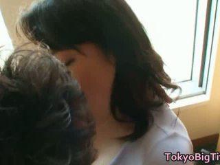 Japonais modèle grand gros seins baise films