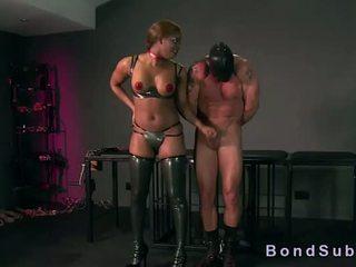 巨乳 烏木 情婦 gets 屄 licked 由 她的 奴隸