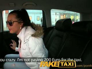 Faketaxi príťažlivé 19 rok starý v taxi cab scam