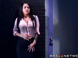 Charles dera has a discpline suo sexy intern katrina