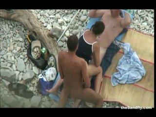 Thesandfly най-горещите публичен плаж действие!