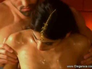 প্রেমমূলক tantra যৌন healing