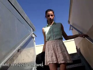 Puikus paauglys pirmas video perklausa