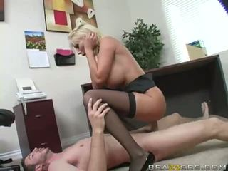 Blondýna gets pička fucked ťažký