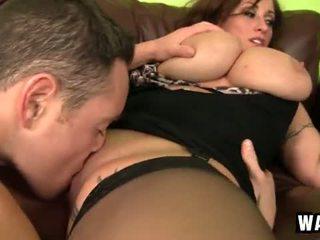 Incredibly голям гърди на на секси пума уличница eva notty