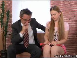 Yvk asyalı kız öğrenci ile genç çıplak