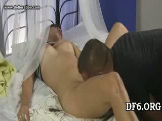 Virgin tries তার 1st dong