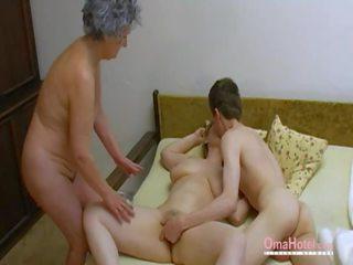 Omahotel oud trio harig rijpere masturbation: porno 0d