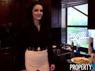 Propertysex - careless réel estate agent fucks boss à garder son emploi