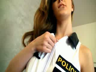 Dangerous polis wanita