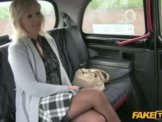 Mature amateur sex with her taxi driver