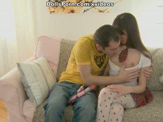 Dildo en kniekousen seks film scène 1
