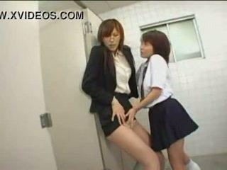 online japanse vol, publiek groot, panty