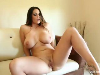 Alison tyler plays with her amjagaz