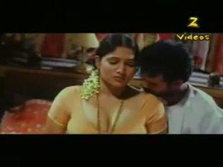 Sangat cantik seksi south india gadis seks adegan