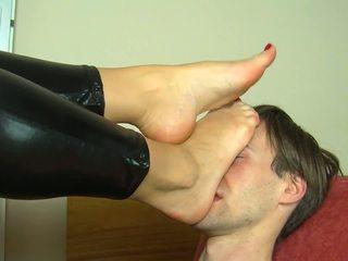 ミストレス getting 彼女の フィート worshipped, 高解像度の ポルノの 74