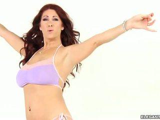 Tiffany mynx s удивителни дупе driven desperately възбуден
