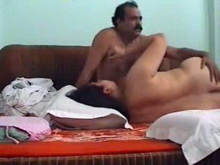 色情书刊, 大山雀, 印度人
