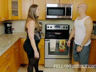 [taboo passions] madisin lee en cooking pour belle mère